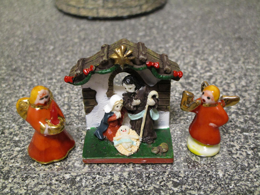 Nativity dolls with Angels